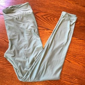 Mint Green LuLaRoe Tall & Curvy (TC) Leggings